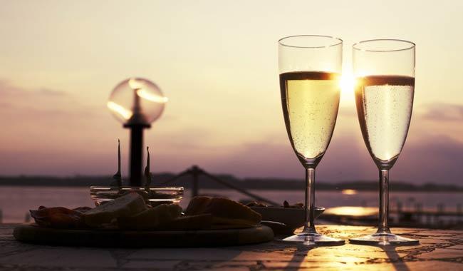 Cena romantica cosa cucinare per conquistare il suo cuore?
