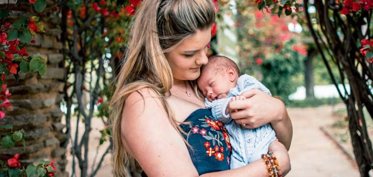 Esogestazione, rapporto viscerale tra mamma e neonato